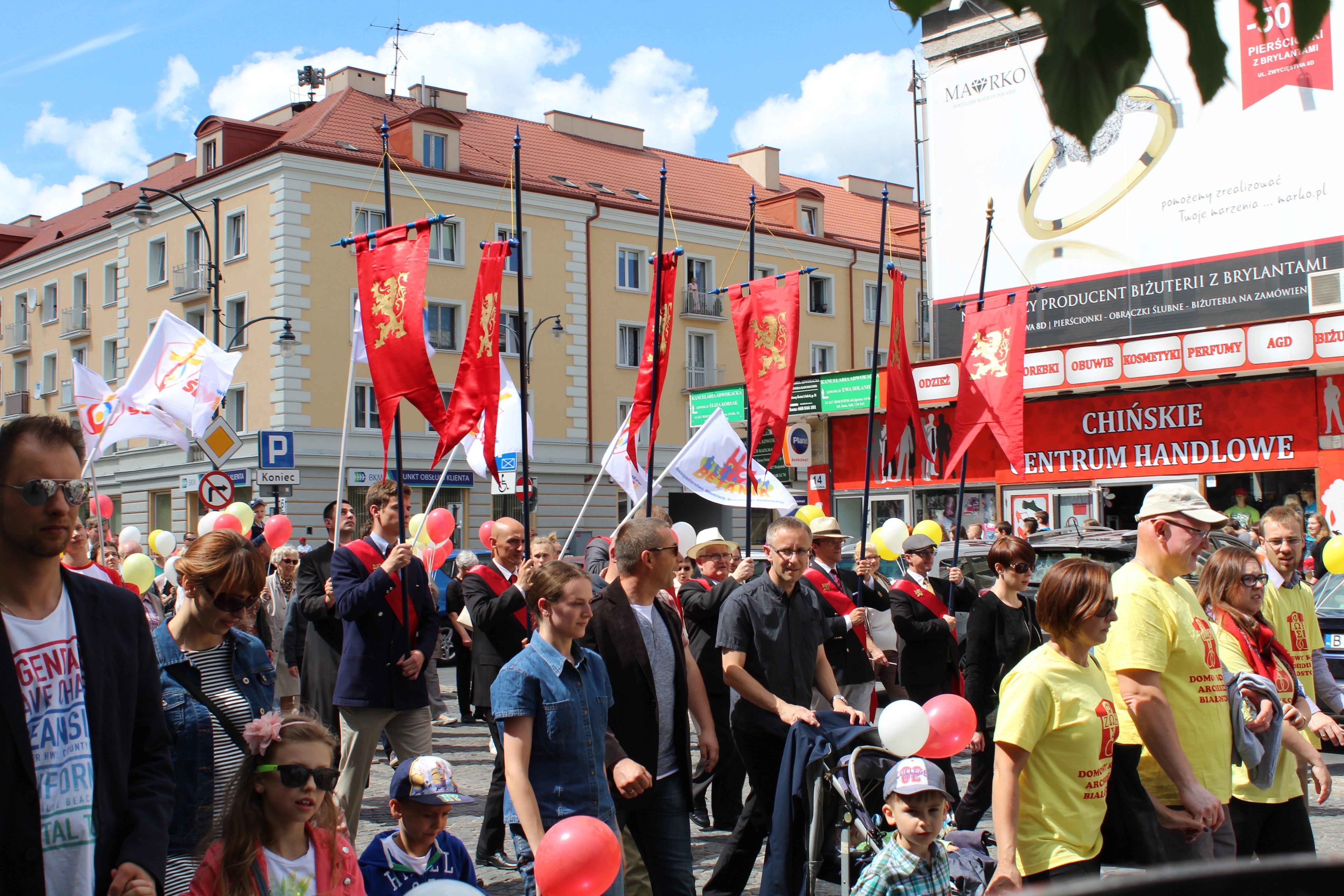 Poolse pro-lifers halen handtekeningen op voor het abortusverbod.